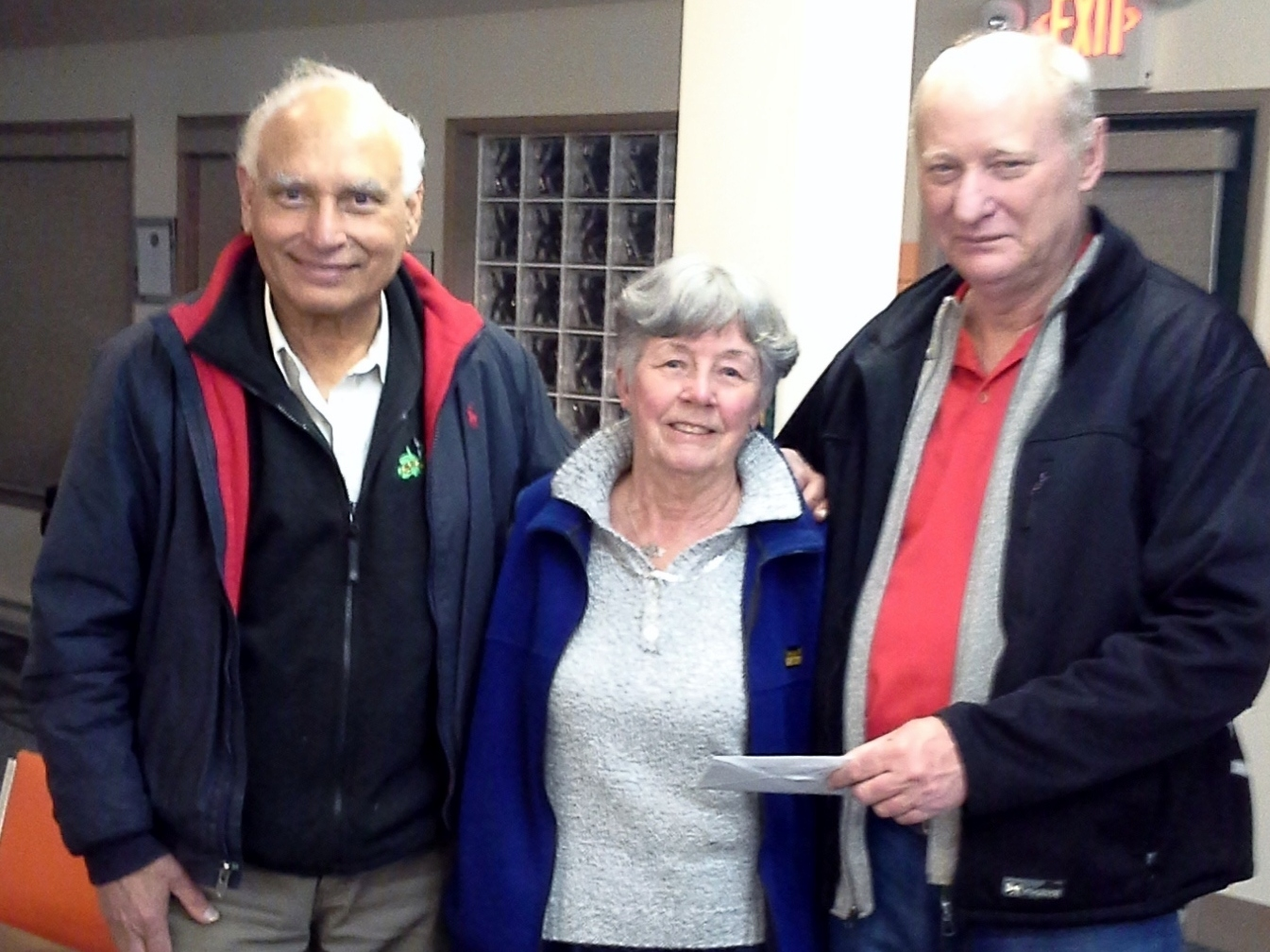 Harnam Grewal (left) with Novice Tournament winners Anne Payne and Steve Rikley